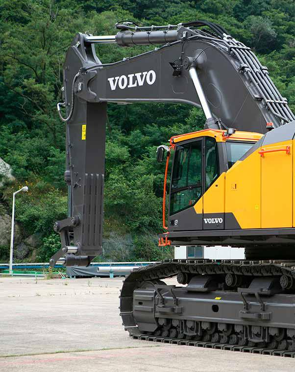 Go big The operator s choice Spacious and quiet cab, ergonomic controls Boom-swing priority function Dig Assist, powered by Volvo Co-Pilot (Option) Robust protection Heavy-duty boom and arm